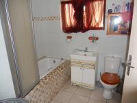 Main Bathroom - 5 square meters of property in Southport