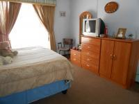 Main Bedroom - 21 square meters of property in Dersley