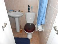 Main Bathroom - 2 square meters of property in Sinoville