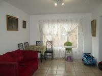 Lounges - 15 square meters of property in Fairlands