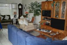 Lounges - 20 square meters of property in Kleinmond