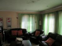 Lounges - 24 square meters of property in Benoni