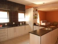 Kitchen - 26 square meters of property in Observatory - JHB