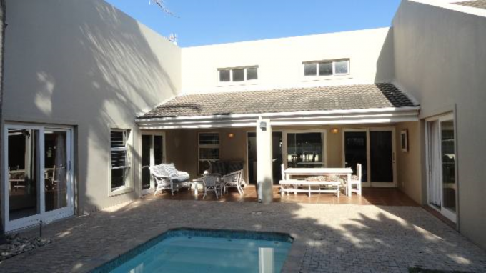 4 Bedroom House for Sale For Sale in Plettenberg Bay - Home Sell - MR117507
