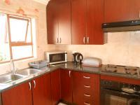 Kitchen - 10 square meters of property in Greenstone Hill