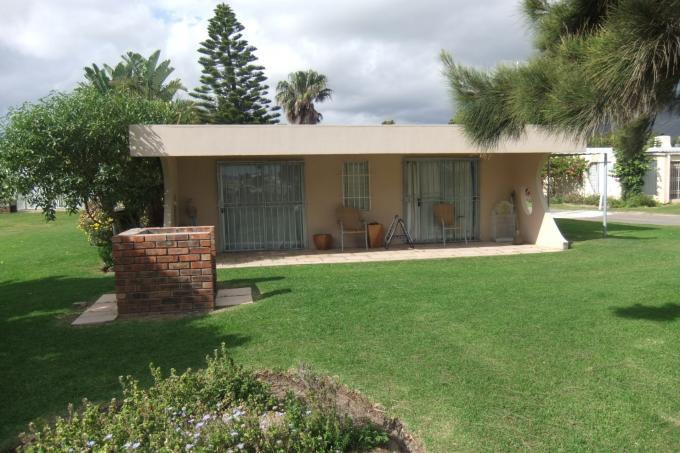 2 Bedroom House for Sale For Sale in Gordons Bay - Private Sale - MR117511