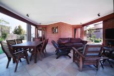 Patio - 25 square meters of property in Willow Acres Estate