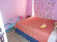 Bed Room 1 - 8 square meters of property in Karenpark