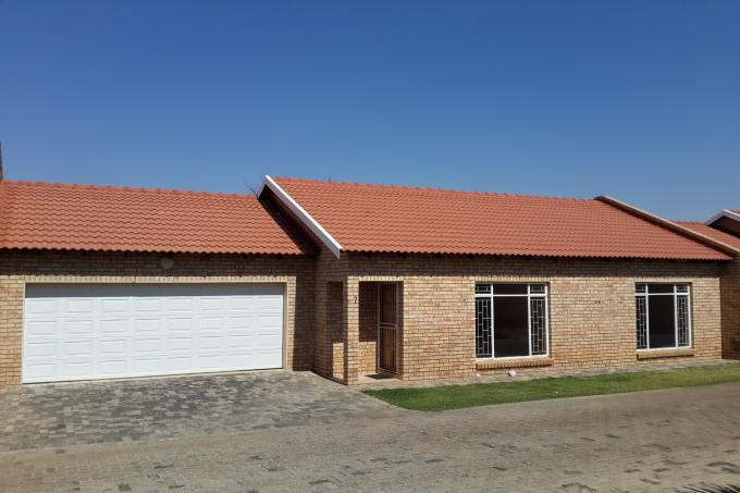 2 Bedroom Simplex for Sale For Sale in Klerksdorp - Private Sale - MR117541