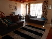 Lounges - 30 square meters of property in Benoni