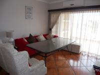 Lounges - 14 square meters of property in Uvongo