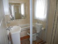 Main Bathroom - 3 square meters of property in Uvongo
