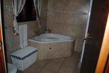 Main Bathroom of property in Melodie