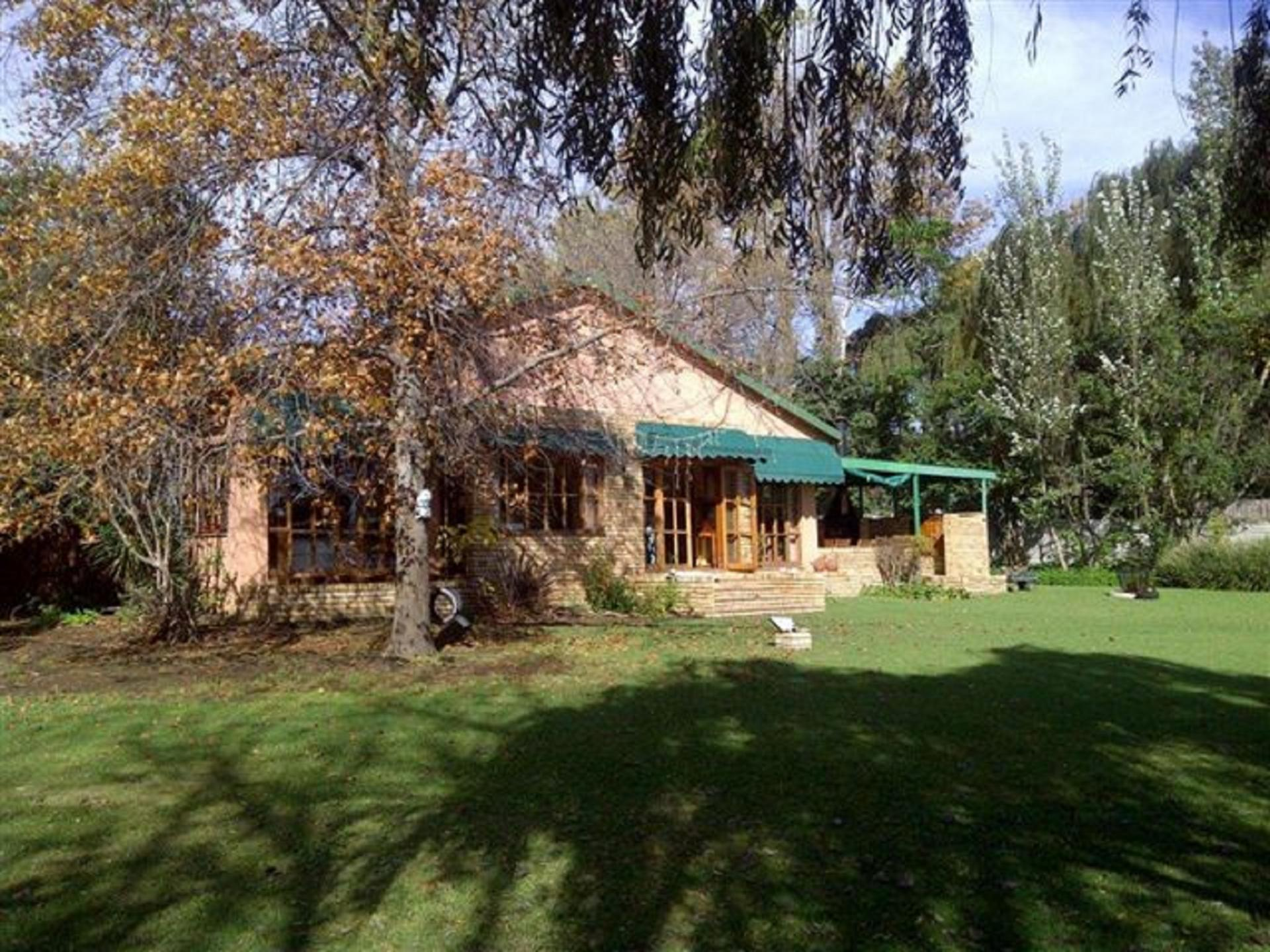 Front View of property in Lochvaal