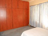 Bed Room 1 - 18 square meters of property in Lochvaal