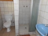 Bathroom 3+ - 14 square meters of property in Lochvaal