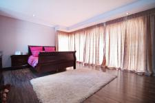 Main Bedroom - 48 square meters of property in Silverwoods Country Estate