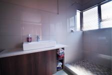 Bathroom 2 - 5 square meters of property in Silverwoods Country Estate