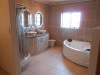 Main Bathroom - 10 square meters of property in The Orchards