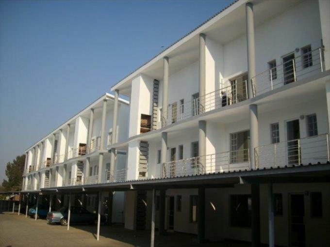 2 Bedroom Apartment For Sale in Potchefstroom - Home Sell - MR117606