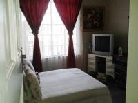 Main Bedroom of property in Turffontein