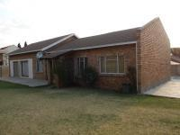 6 Bedroom 2 Bathroom House for Sale for sale in Kempton Park
