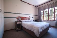 Bed Room 2 - 14 square meters of property in Woodhill Golf Estate
