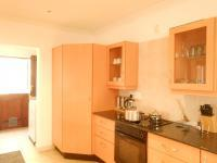 Kitchen - 8 square meters of property in Roodepoort North