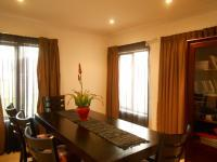 Dining Room - 10 square meters of property in Roodepoort North