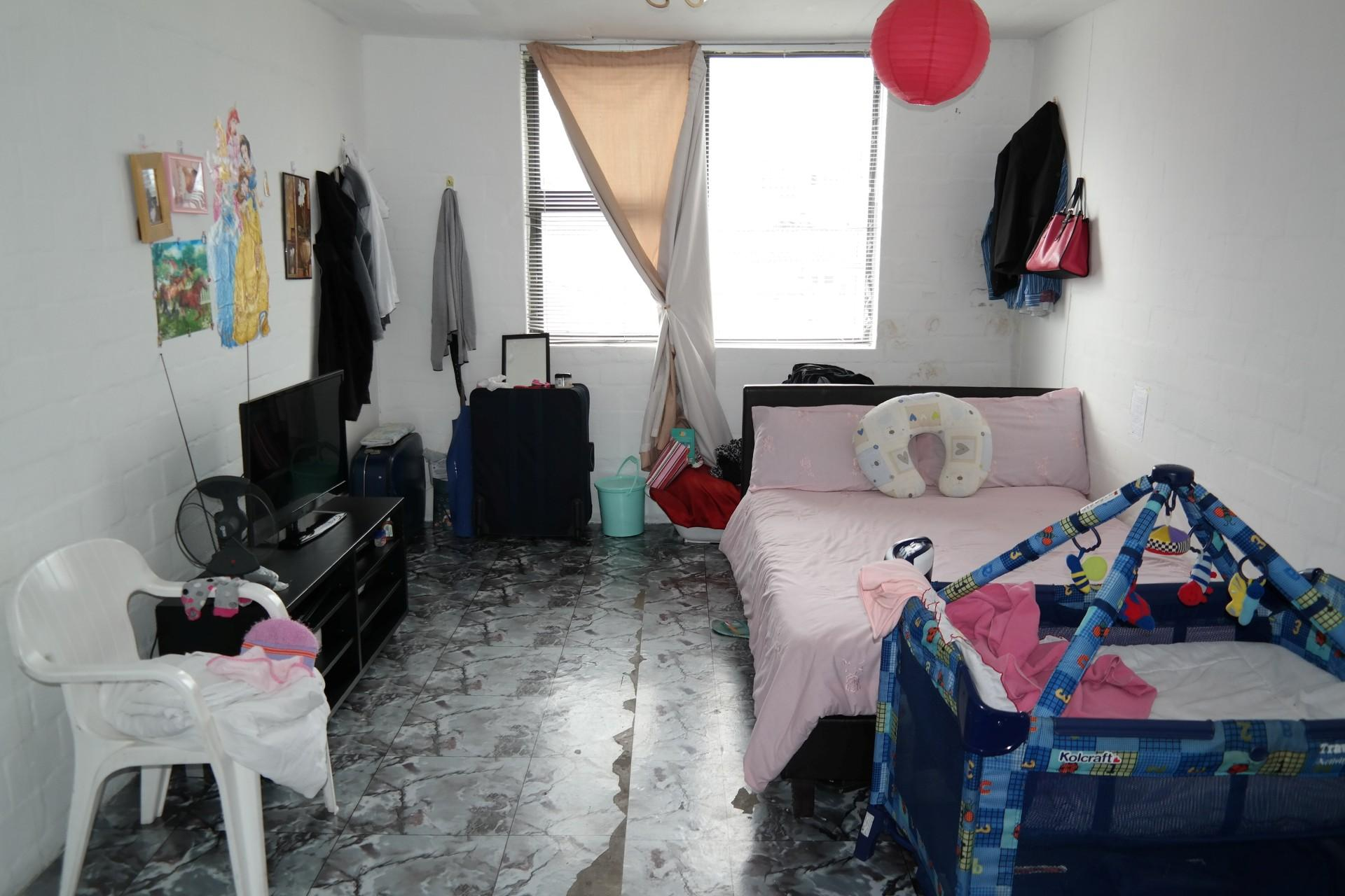 Bed Room 1 - 14 square meters of property in Wynberg - CPT