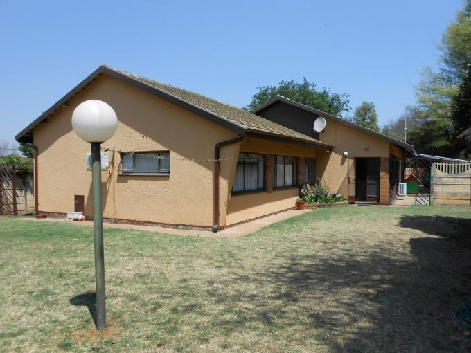 4 Bedroom House To Rent in Strubenvale - Private Rental - MR117769