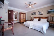 Bed Room 2 - 37 square meters of property in Woodhill Golf Estate
