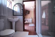 Bathroom 3+ - 48 square meters of property in Woodhill Golf Estate