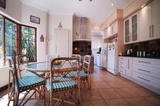 Kitchen - 23 square meters of property in The Wilds Estate