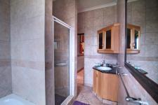 Bathroom 1 - 8 square meters of property in Woodhill Golf Estate