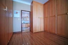 Main Bedroom - 41 square meters of property in Woodhill Golf Estate