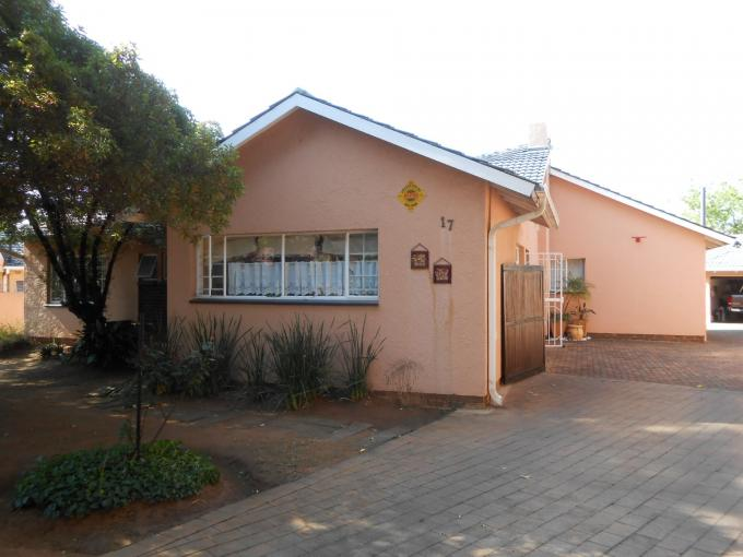 4 Bedroom House for Sale For Sale in Kempton Park - Private Sale - MR117862