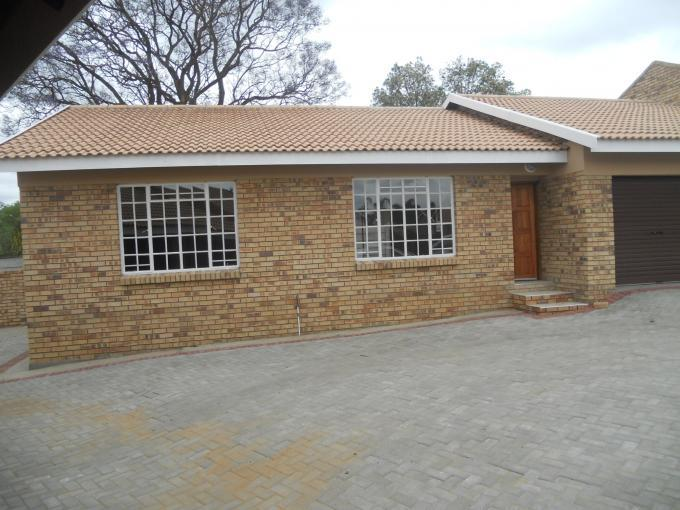 2 Bedroom Sectional Title For Sale in Newcastle - Private Sale - MR117870