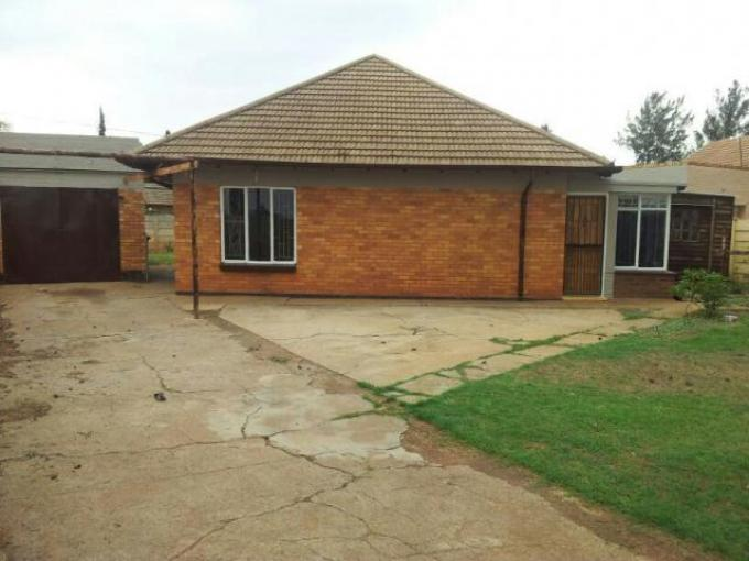 3 Bedroom House For Sale in Stilfontein - Private Sale - MR117884