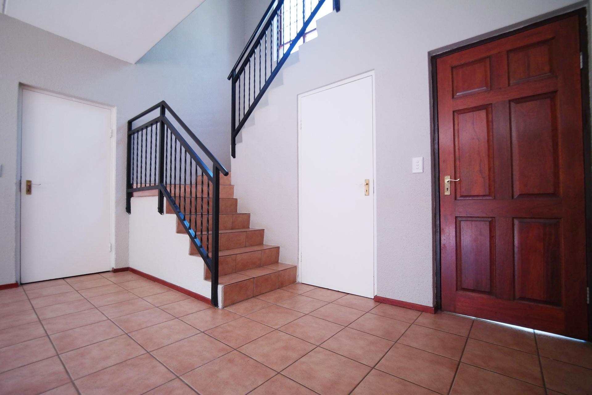Spaces - 17 square meters of property in Woodhill Golf Estate