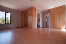 Main Bedroom - 31 square meters of property in Woodhill Golf Estate