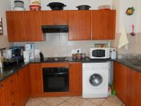 Kitchen - 8 square meters of property in Eden Glen