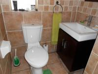 Main Bathroom - 5 square meters of property in Eden Glen