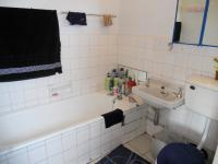 Main Bathroom - 3 square meters of property in New Germany