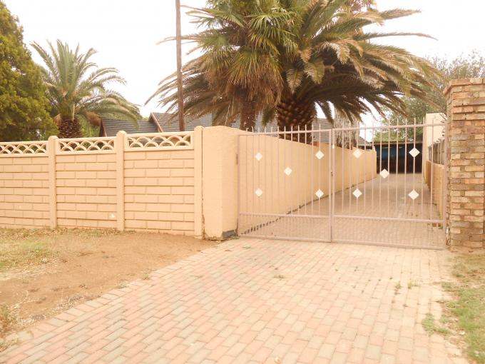 Standard Bank EasySell 3 Bedroom House for Sale For Sale in Kibler Park - MR117972
