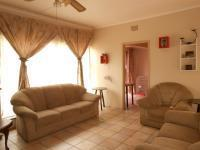 Lounges - 21 square meters of property in Kibler Park