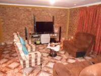 Lounges - 46 square meters of property in Dalpark