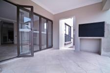 Patio - 19 square meters of property in The Wilds Estate