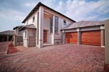 3 Bedroom 2 Bathroom Cluster to Rent for sale in The Wilds Estate