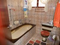 Bathroom 1 - 5 square meters of property in Chatsworth - KZN